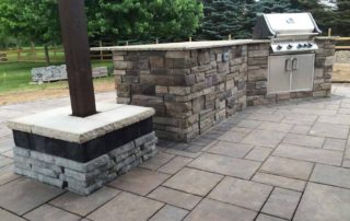 Unilock Beacon Hill Paver Patio with Rivercrest Column