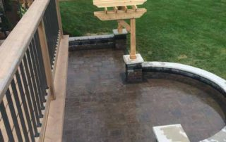 Unilock Beacon Hill Flagstone Paver with Brussels Seatwalls & Pillars